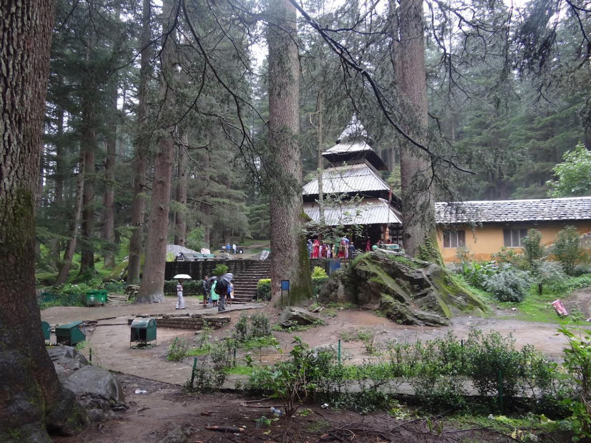 Manali: Świątynia bogini Hidimby, zwanej tu także Hadimbą