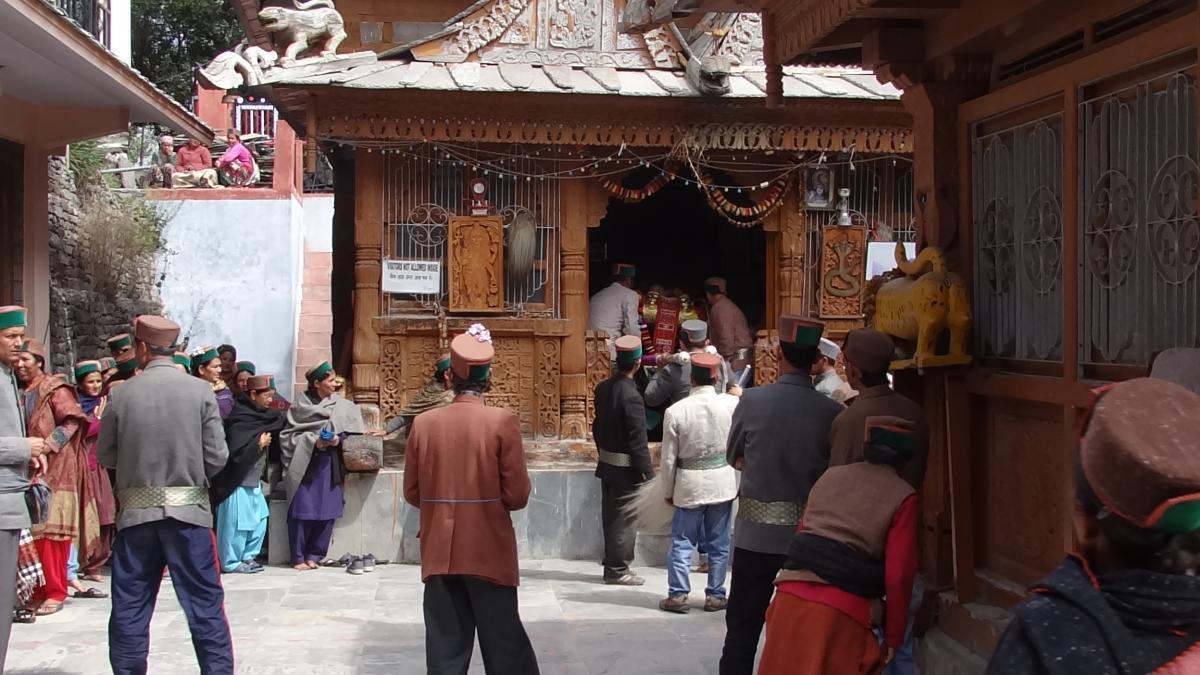 Kalpa: Świątynia Narajany, Nagin i Brahmy. Niedzielna ceremonia wróżb