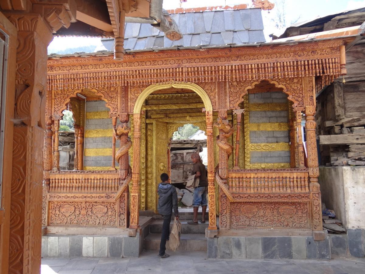Kalpa: Świątynia Narajana i Nagin (Wężycy) i Brahmy