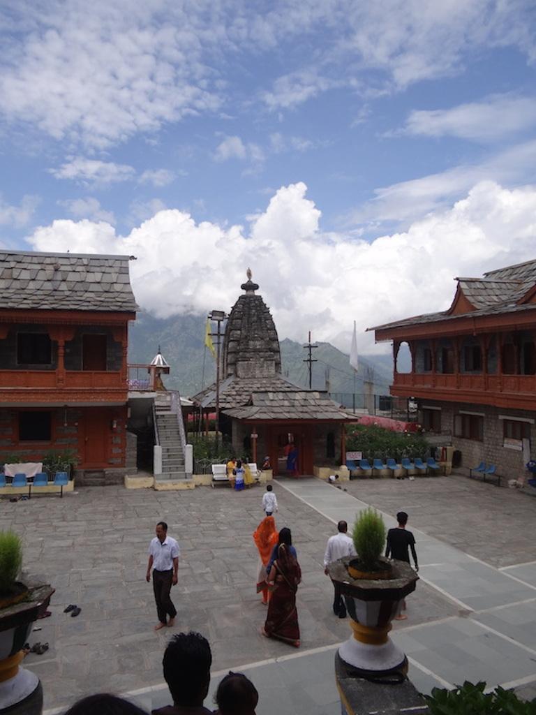 Sarahan: kompleks świątynny boginie Strasznego Czasu (Bhimakali): Starożytna światynia Wisznu, obecnie Siwy